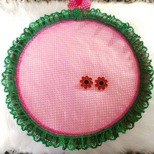 Pink circle earring holder